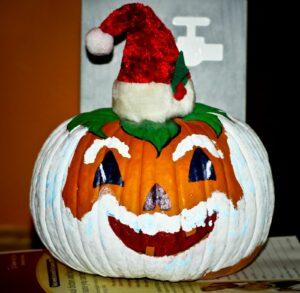 Halloween-Nikolaus-Kürbis
