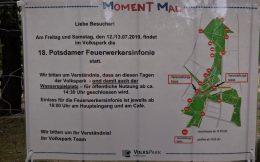 "Hinweisschild ""18. Potsdamer Feuerwerkersinfonie"""